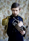 Retour en fanfare : The Divine Comedy en interview avant son concert mercredi au Fémina